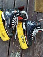 Bauer Vapor X800 Ice Hockey Skates Junior 4.5 D (1118-B-X800-4.5D)