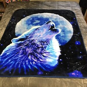 The Northwest Co Wolf Blue Moon Soft Throw Blanket Howling Robin Koni 46x58 2018