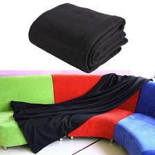 Couvertures noirs pour le lit