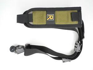 BlackRapid RS7SC-1B0 RS-7 Curve Moss Camera Strap w/ Threaded Screw