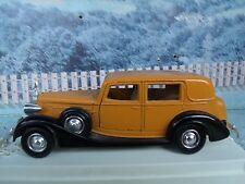 1/43 Solido (France)   Packard sedan #4047