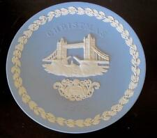 "1975 Wedgwood Jasper Ware Tower Bridge 8"" Christmas Plate"