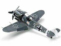 1/48 German MESSERSCHMITT Bf109 G-6 w/ DB605 Engine Pilot Figure 61117 Tamiya