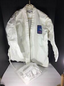 Macho Martial Arts Size 4/180 52% Cotton 48% Polyester good practice uniform MMA