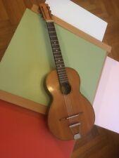 Guitare années 50 idéale pour accompagnement Manouche, Gonzales modèle Valencia.