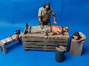 """Neca Texas Chainsaw Massacre Leatherface Beginning 7"""" Figure set  ~ Pre-owned"""