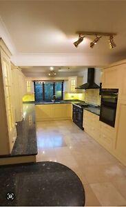 Shaker Style Kitchen with Neff Appliances & Granite Countertops