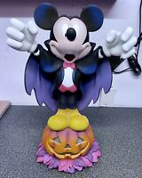 DISNEY EXCLUSIVE RETIRED MICKEY MOUSE DRACULA VAMPIRE RESIN HALLOWEEN STATUE