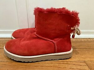 UGG Womens Red SELENE Mini Bailey Boots Nautical Bow Sz 7 S/N 1006493 Sheepskin