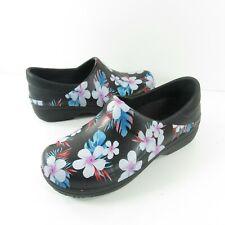 Crocs Size 7 NERIA PRO II GRAPHIC Black Tropical Floral Clogs Womens Shoes