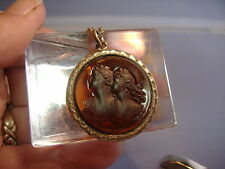 VINTAGE GOLD FILLED DOUBLE SISTERS CAMEO PENDANT