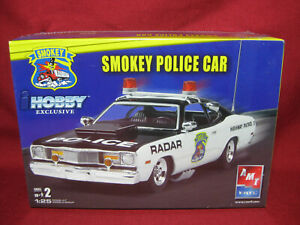 Smokey Dodge Dart Highway Patrol Police Car AMT Ertl 1:25 Model Kit 38515