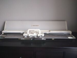Fine Gauge Electronic Knitting Machine SILVER REED SK830 (3.6mm pitch) WORKS!!!