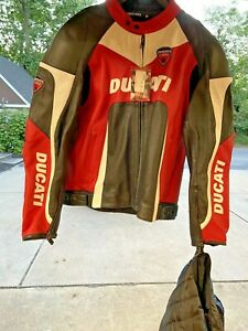 ORIGINAL DUCATI CORSE ARMORED LEATHER RIDING JACKET + LINER+TAG EVEN ORIG HANGER