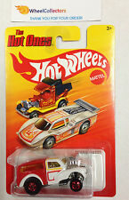 Morris Wagon * RED/White * Hot Ones Hot Wheels * W9