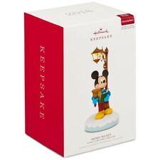 2018 Hallmark Keepsake Disney Christmas Carolers Merry Mickey Musical   Light