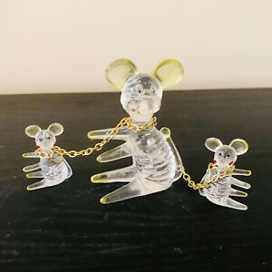 Vintage Lucite Mouse Figurine - Mice x 3 - Mother And Babies - Chains - 1950's