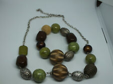 Beautiful Stretch Bracelet Necklace Set Silver Tone Wood Green Marbled Beads
