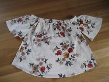 LADIES CUTE WHITE FLORAL POLYESTER SHORT SLEEVE TOP  BY DIVINE AVENUE - SIZE 16