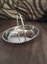 A VINTAGE SILVER PLATED TRAY / DISH WITH HANDLE #B