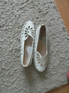 Cotton Traders Size 8 White Slip On Shoes. New.