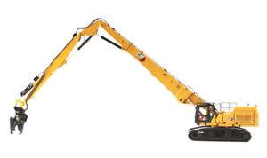 Die Cast Masters Caterpillar 352UH Demolition Excavator 1:50 85663 with tools