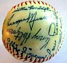 1976-1977 -  NEW YORK YANKEES - Facsimile Signature Baseball -  NOT SURE ????
