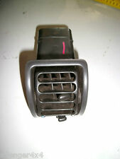 LAND ROVER DISCOVERY 300TDI / TD5 OUTER DASHBOARD AIR VENT IN BLACK (1)