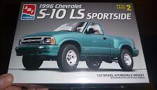 AMT CHEVROLET 1996 S-10 LS SPORTSIDE PICKUP 1/25 Model Car Mountain KIT FS 6188