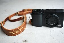 """ROBERU Leather Compact Camera Strap """" Classic Brown Hand made from Japan Nw"""