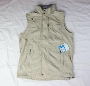 Columbia Men's Omni SHADE  Size M Light Khaki Sleeveless Fishing Vest Jacket.
