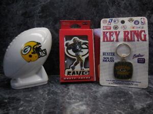 green bay packers mini bank/ 1 key ring/1 brett favre magnut/new