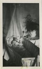 PHOTO ANCIENNE - VINTAGE SNAPSHOT - ENFANT DÉFUNT POST MORTEM - CHILD DEAD