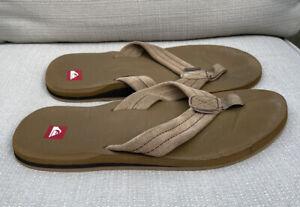Quicksilver Men's Flip Flops Beige Khaki Sandals Size 10 (?) Beach Shoe Casual