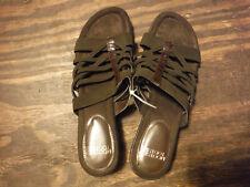 Sandals MOOTSIES TOOTSIES Brown 9.5 NWOT