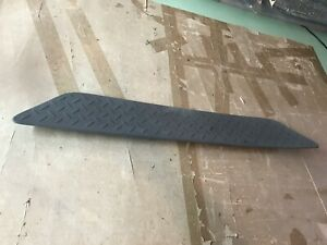 02-06 OEM Chevy Avalanche Rear Bumper Step Pad Trim cover molding center plate