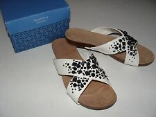 Simply Vera Wang Elly White Stones Sandals Size 8 NEW Shoes Women's $64.99