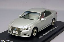 1/43 La-X #L43009 Toyota Crown Hybrid athlete S Silver Metallic G