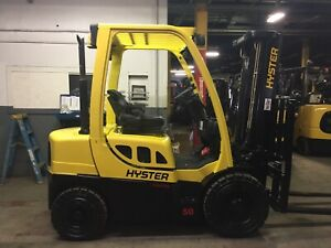 2015 Hyster 5000 LB Diesel Forklift  With 2 Stage Mast and Side Shift