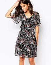 Warehouse Party Short Sleeve Floral Dresses for Women