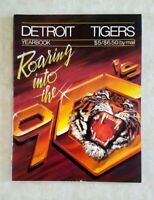 1990 DETROIT TIGERS Yearbook Magazine Roaring into the 90s