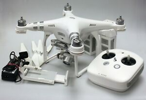 DJI Phantom 3 Advanced W322b with Spare Blades, Transmitter, Case and charger
