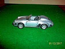 Maisto Porsche 911 Speedster in 1/38 Scale