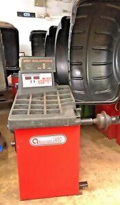 Accu-Turn / Cemb 1450  Computer Wheel Balancer Machine #127
