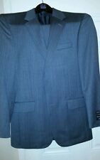 Jos A Bank Signature pattern 2 button suit 36 R 30 W 100% Wool, Gray Herringbone