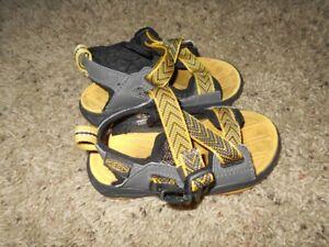 Keen Toddler Unisex Sandals Black/Gold Size 8M