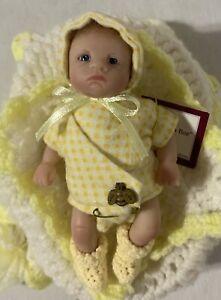 Busy as a Bee Pouty Ashton Drake Sweet As You Please Dorothy Steven Mini Doll