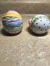 Cobble Creek Decorative Ceramic Easter Egg Salt & Pepper Shakers Very Cute