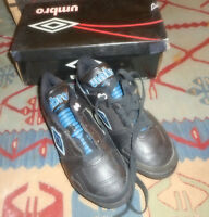 Boys / Girls Umbro Soccer Cleats Size 5 NEW  WITH  Box & TAGS