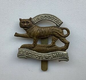 WW1, Military Cap Badge, Leicestershire Regiment, Bi-metal, Original